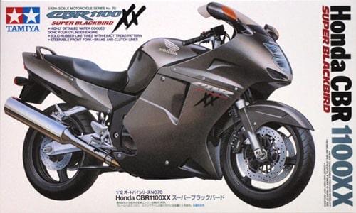 โมเดลประกอบ รถมอเตอร์ไซค์ Honda CBR1100XX Super Blackbird