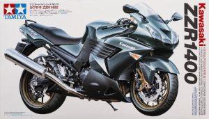 โมเดลประกอบ รถมอเตอร์ไซค์ Kawasaki ZZR1400 1/12