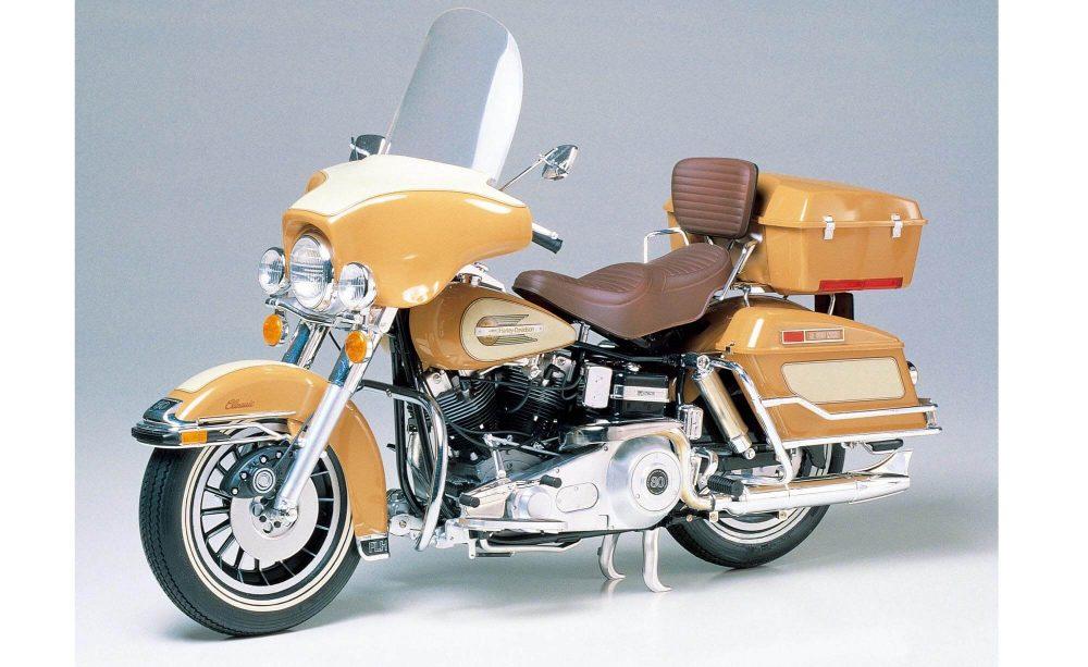 โมเดลรถมอเตอร์ไซค์ ทามิย่า Harley Davidson FLH Classic 1/6