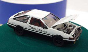 โมเดลรถ อินิเชียล ดี AOSHIMA TAKUMI AE86 SPLINTER 1/24