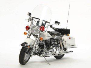 โมเดลรถมอเตอร์ไซค์ทามิย่า Harley Davidson Police Bike 1 : 6