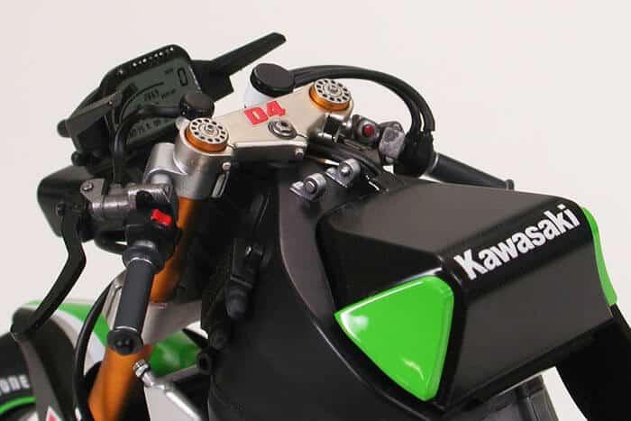 โมเดลประกอบ รถมอเตอร์ไซค์นินจา Kawasaki Ninja ZX-RR 1/12