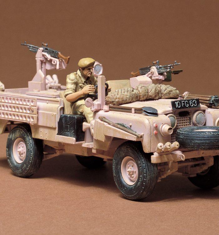 โมเดลรถแลนด์โรเวอร์ S.A.S Land Rover Pink Panther 1/35