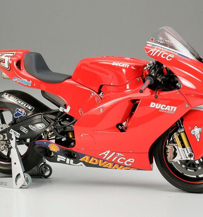 โมเดลประกอบรถมอเตอร์ไซค์ดูคาติ Ducati Desmodsedici 1/12