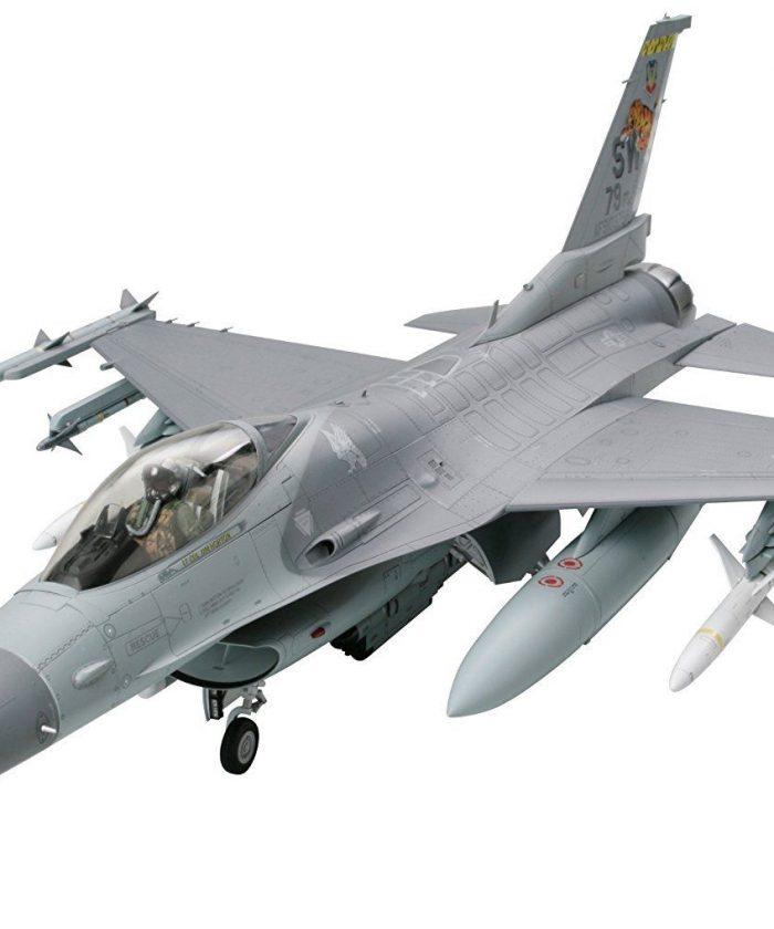 โมเดลเครื่องบินรบ ทามิย่า F-16CJ Block50 Fighting Falcon 1/32