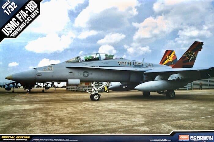 โมเดลเครื่องบินเอฟ 18 USMC F/A-18D VMFA(AW)-242 LE 1/35