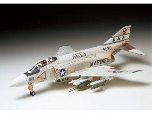 โมเดลเครื่องบิน McDonnell F-4 J Phantom II Marine Version 1/32