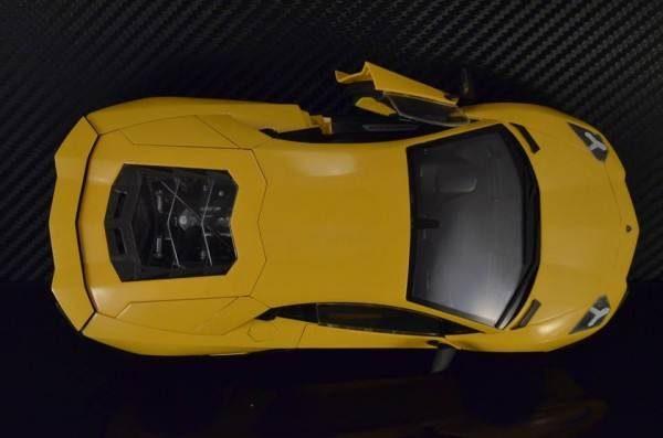 โมเดลรถยนต์ประกอบ Aoshima Lamborghini Aventador LP720-4 50th
