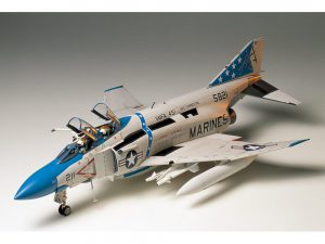 โมเดลเครื่องบิน McDonnell Douglas F-4J Phantom II 1/32