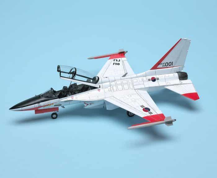 โมเดลเครื่องบิน ROKAF T-50 Advanced Trainer Airplane 1/48