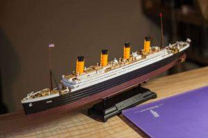 โมเดลเรือไททานิค ACADEMY R.M.S. TITANIC LED SET 1/700