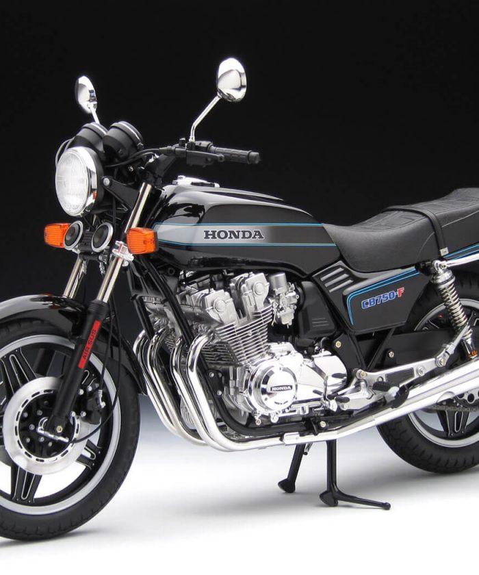โมเดลรถ มอเตอร์ไซค์ทามิย่า Honda CB750F 1/6