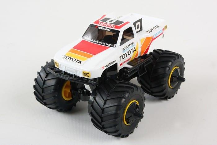 ทามิย่ามินิโฟร์วิล Mini 4WD Toyota Hi-Lux Monster Racer Jr.