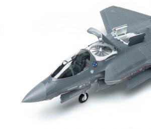โมเดลเครื่องบิน Kitty Hawk F-35B Lightning II 1/48