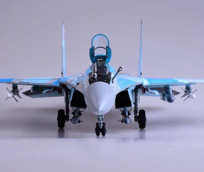 โมเดลเครื่องบินขับไล่ Kittyhawk Su-35 Flanker-E 1/48