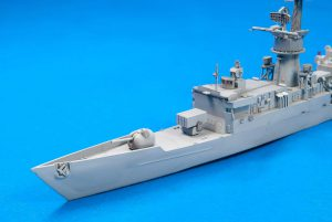 โมเดลเรืออเมริกัน 70002 KNOX CLASS FRIGATES 1/700