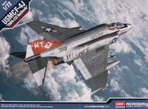 โมเดลเครื่องบิน F-4J Phantom II VMFA-232 1/72