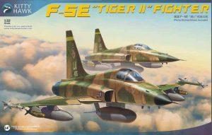 โมเดลเครื่องบิน F-5E Tiger II Fighter w/resin Figures 1/32