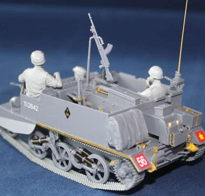 โมเดลรถถัง Universal Carrier Mk.1 w/Crews