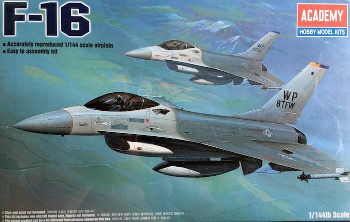 โมเดลเครื่องบิน F-16 FIGHTING FALCON (1/144)