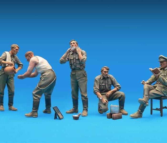 โมเดลฟิกเกอร์ GERMAN SOLDIERS AT REST 1:35