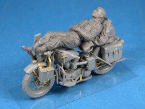 โมเดลทหาร REST ON MOTORCYCLE 1:35