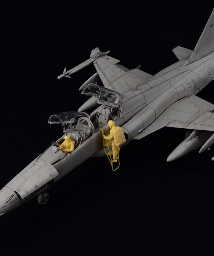 โมเดลเครื่องบิน Kitty hawk F-5F TigerII 1/32