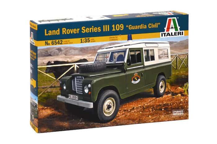 """โมเดลรถ ร.ย.ล.244 LAND ROVER SERIES III 109 """"Guardia Civil"""" 1:35"""