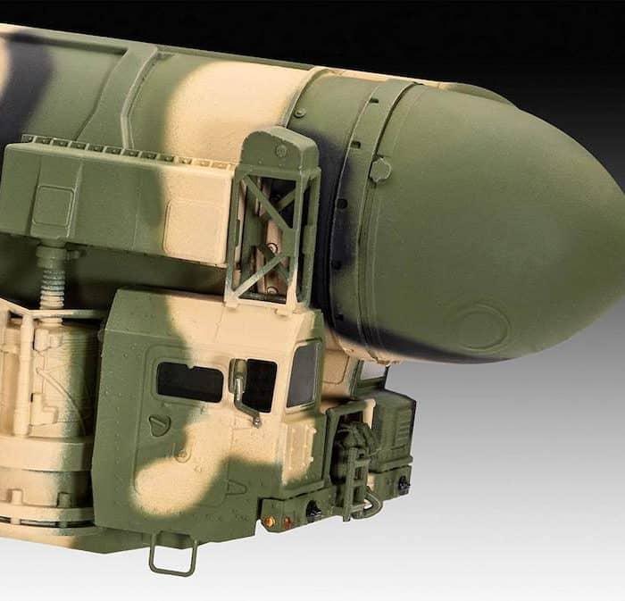 โมเดลขีปนาวุธข้ามทวีป Revell Topol SS-25 Sickle 1:72