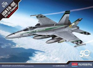 """โมเดลเครื่องบิน AC12565 USN F/A-18E VFA-195""""CHIPPY HO"""" 1/72"""