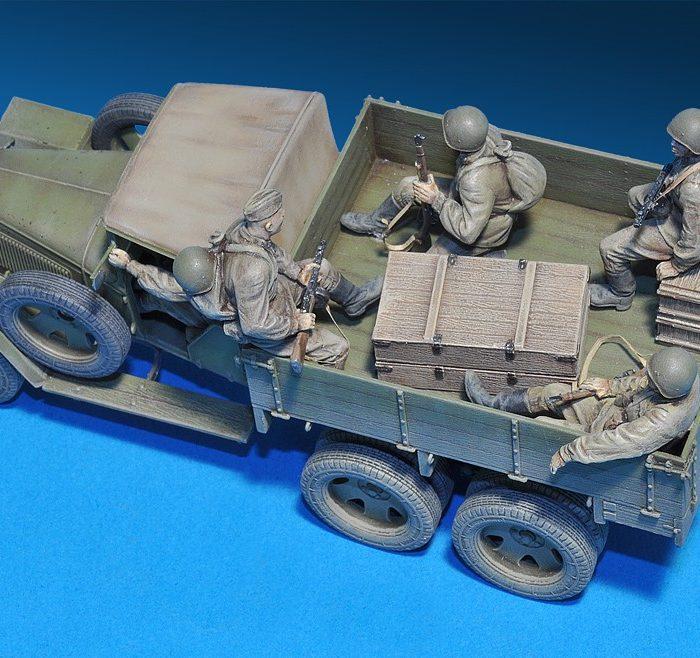 มินิอาร์ทโมเดล MI35173 GAZ-AAA Mod. 1941. SOVIET CARGO TRUCK 1/35