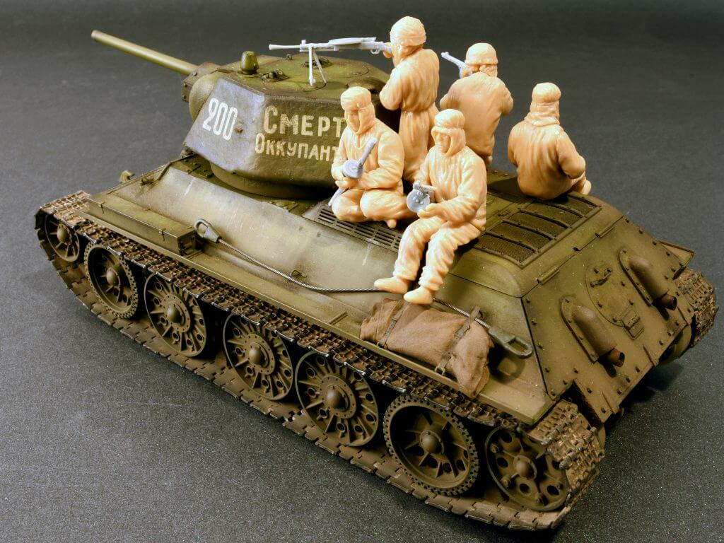 ทหารหิมะ MI35226 SOVIET ASSAULT INFANTRY (WINTER CAMOUFLAGE CLOAKS) 1/35