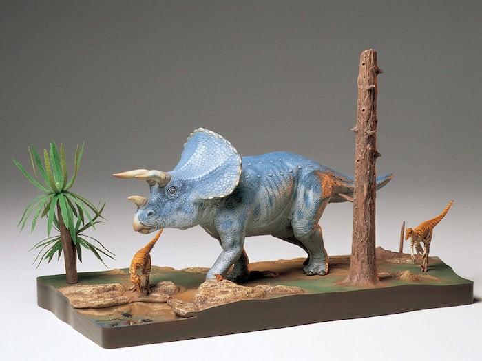 โมเดลไดโนเสาร์ TAMIYA TA60104 TRICERATOPS DIORAMA SET 1/35