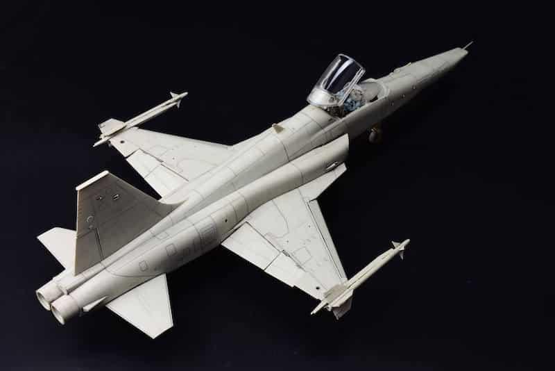 โมเดลเครื่องบิน Kittyhawk KH32023 RF-5E Tigereye 1/32