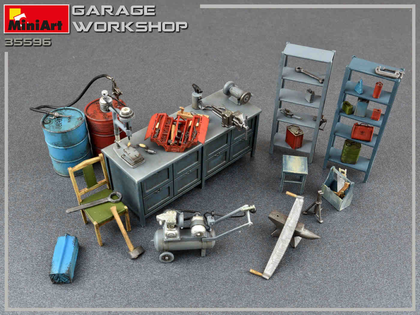 Buildings and Accessories 1:35