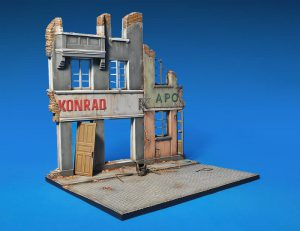 โมเดลฉากจำลอง MiniArt MI36036 Diorama With Ruined Buildings 1/35