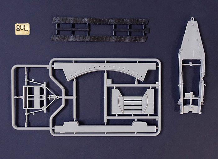 โมเดลรถบรรทุก Roden RO814 Holt 75 Artillery Tracktor 1/35