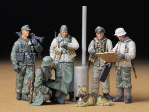 ฟิกเกอร์ทหาร TAMIYA 35212 GERMAN SOLDIERS AT FIELD BRIEFING 1/35