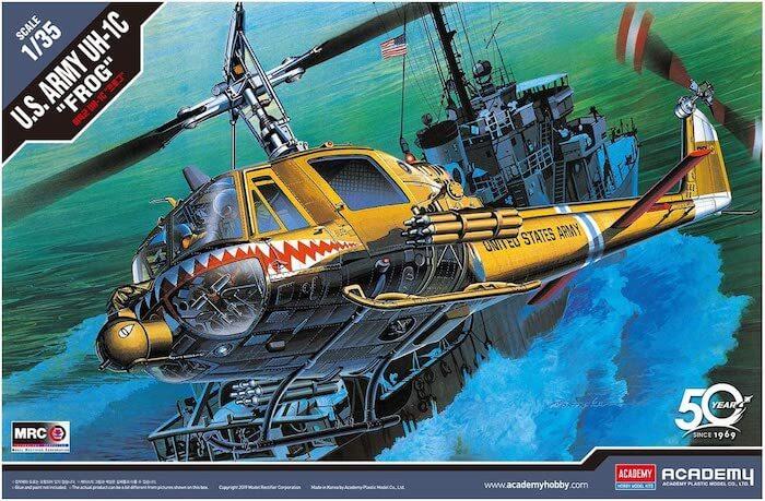 """เฮลิคอปเตอร์ ACADEMY 12112 U.S.ARMY UH-1C """" FROG """"1/35"""