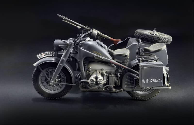 โมเดล Italeri 7406 ZUNDAPP KS 750 with Sidecar 1/9